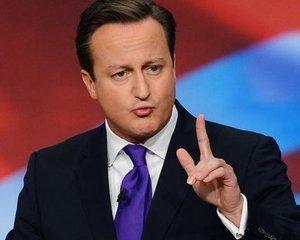 Tinerii intre 18-21 de ani, fara loc de munca, ar trebui sa lucreze in folosul comunitatii. Planul prim-ministrului David Cameron