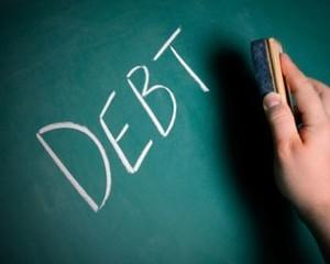 Restantele la credite s-au diminuat cu 4,84%, la lei, si cu 5,5, la valuta