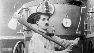 Astazi se implinesc 104 ani de la debutul lui Charlie Chaplin