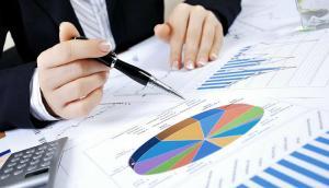 Deficitul Romaniei s-a majorat cu 50% in ianuarie-august. Cresterile de salarii si subventiile atarna greu de sac