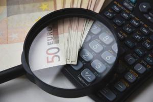 UE cere Guvernului Romaniei sa cheltuiasca mai putin