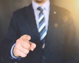 Ghidul managerului. Singura clauza din contractul de munca pe care angajatorul o poate modifica unilateral
