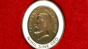 Banca Nationala a Romaniei a fost distinsa cu decoratia Nihil Sine Deo