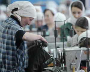 In fiecare an, detinutii rusi produc bunuri in valoare de 900 milioane de dolari. Ei castiga