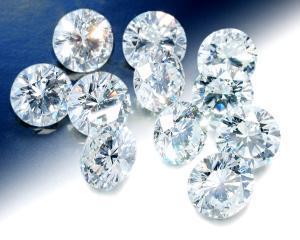 Diamante nefinisate, scoase la licitatie cu sutele