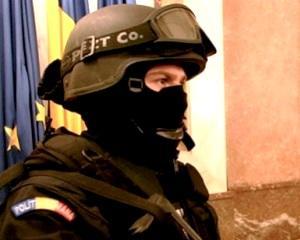 Fara scandaluri de Paste  11 000 de politisti vor fi cu ochii in patru