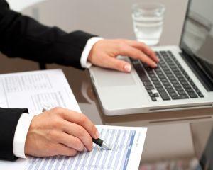 Studiu EY: Prioritatea directorilor financiari trebuie sa fie tranzitia catre mediul digital