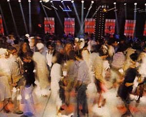 11 ianuarie 1963: se deschide prima discoteca Whiskey-a-go-go in Los Angeles