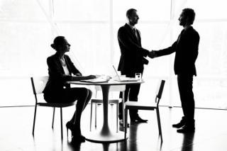 Reguli noi pentru firme. Angajatii discriminati salarial vor putea fi despagubiti. Care sunt conditiile