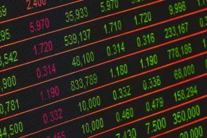 Doi oficiali ai Fondului Monetar International trag un semnal de alarma cu privire la o noua criza economica mondiala