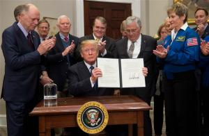Trump si-a propus ca americanii sa ajunga din nou pe Luna pana in 2024 si apoi pe Marte