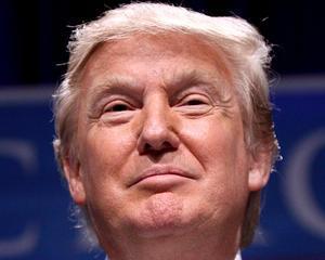 Donald Trump prins cu peruca de frauda?