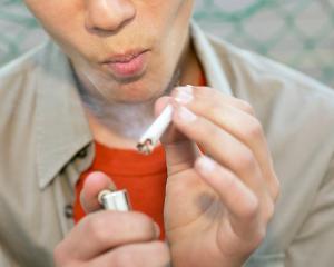 CIADO: Dintr-o mie de adolescenti, 16 consuma amfetamine, iar 89 fumeaza canabis