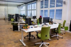 Care sunt dimensiunile unui scaun de birou ergonomic?