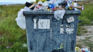 Eco-taxa pentru pungi din plastic a crescut de la 0,10 lei la 0,15 lei