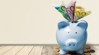 Economisirea in Romania: intre contul bancar si plicul din dulap, solutie aleasa de 32% dintre romani