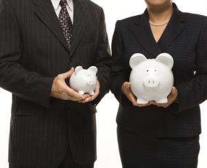 Femeia-investitor economiseste mai mult decat barbatul si cauta siguranta investitiilor