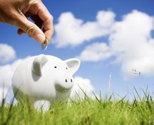 Credite mai mici, economii mai mari, in luna iunie