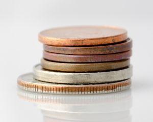 Educatie financiara: De ce nu punem bani deoparte si ce putem face pentru a remedia situatia?