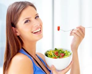 Edenred: 1 din 6 angajati romani sare peste masa de pranz