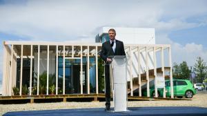 Presedintele Romaniei a inaugurat casa solara EFdeN Signature