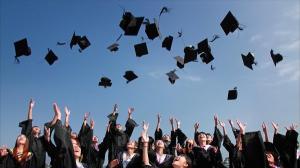 UE aloca peste trei miliarde de euro pentru tinerii care vor sa studieze sau sa se pregateasca in strainatate