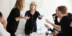 Femeia manager vs barbatul manager. Cine are mai multe sanse de avansare profesionala