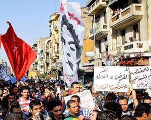 Egiptul, impartit in doua de violentele de strada