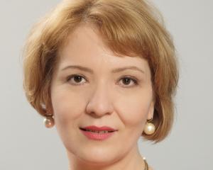 EY Romania: Consumatorii romani se informeaza mai ales online si sunt loiali fata de branduri