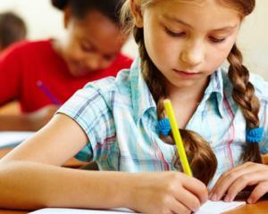Toti elevii din invatamantul preuniversitar vor invata de dimineata. Este posibil?