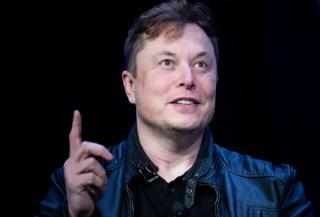 Elon Musk a devenit cea mai bogata persoana din lume, in ziua in care actiunile Tesla au depasit valoarea actiunilor Facebook