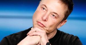 Fabrica lui Elon Musk si-a oprit productia