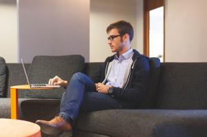 Vrei sa-ti protejezi business-ul? Afla cum sa-ti verifici online partenerii de afaceri la Centrala Incidentelor de Plati
