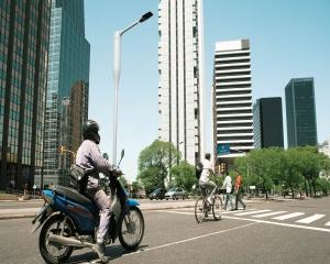 Parteneriat Ericsson si Philips: Broadband mobil cu ajutorul corpurilor inteligente de iluminat stradal