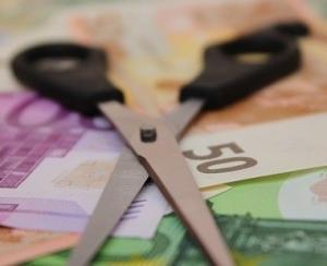 Rezervele valutare s-au diminuat cu 870 de milioane de euro