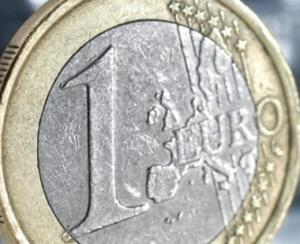 Ziua si recordul pentru euro: 4,6656 lei!