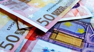 Euro incepe saptamana cu un nou maxim: 4,8838 de lei