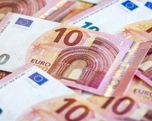 Rezervele valutare ale Romaniei s-au diminuat cu aproape un miliard de euro