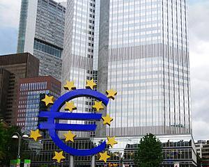 Economist german: Moneda euro nu rezista mai mult de cinci ani