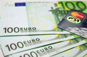 Romanii au cheltuit 18 milioane de euro in minivacanta de Craciun
