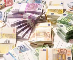Rezervele valutare ale Romaniei au scazut cu 560 de milioane de euro