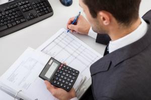 Raport pe executia bugetara in ianuarie: Cheltuieli mai mari cu 23% la salariile bugetarilor si cu 28% la asistenta sociala