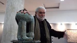 "Despre neasemanarea dintre o ""gropa de idei"" si o ""fantana de ganduri"" - o expozitie conceputa de Sorin Dumitrescu"