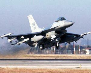 Egiptul arde, iar americanii pun gaz pe foc cu avioane de vanatoare F-16