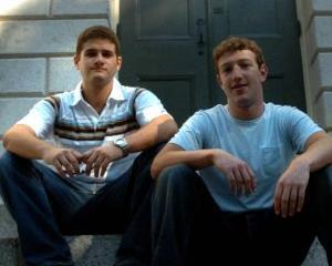 Facebook implineste 10 ani. Cinci moduri in care ne-a schimbat vietile