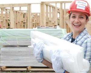20 de femei sunt hotarate sa renoveze case si sa dezvolte aptitudini de leadership
