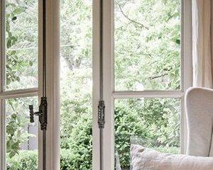 Povestea casei cu ferestre mari. Viata cu un credit
