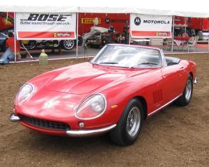 Un Ferrari din 1967 a fost vandut la licitatie cu 27,5 milioane dolari