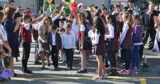 Anisie: Scoala incepe fara festivitati de nou an scolar