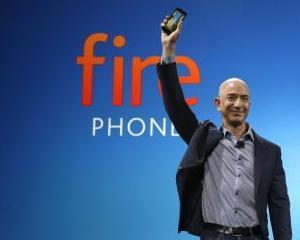 """Amazon deschide """"focul"""" asupra rivalilor de la Apple si Google. Care sunt caracteristicile smartphone-ului FIRE"""
